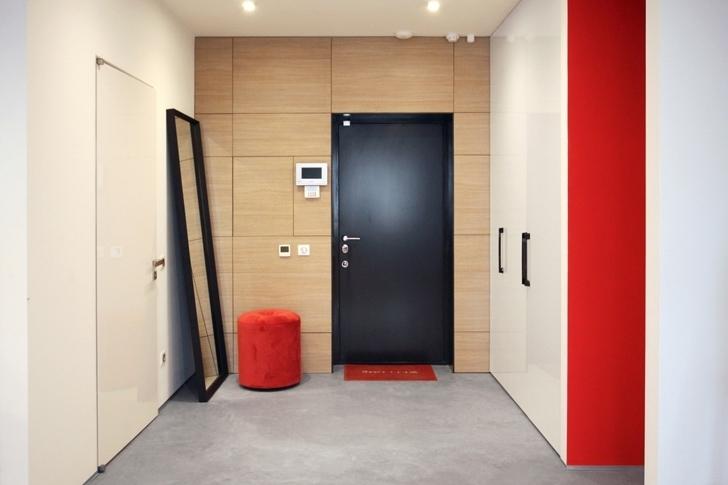 и входной двери в современных квартирах