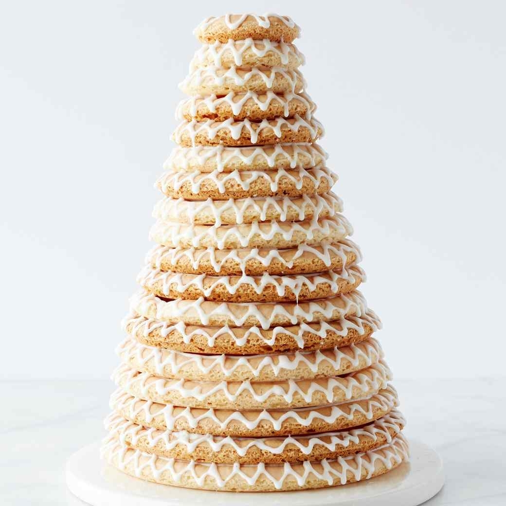 Башня из тортов