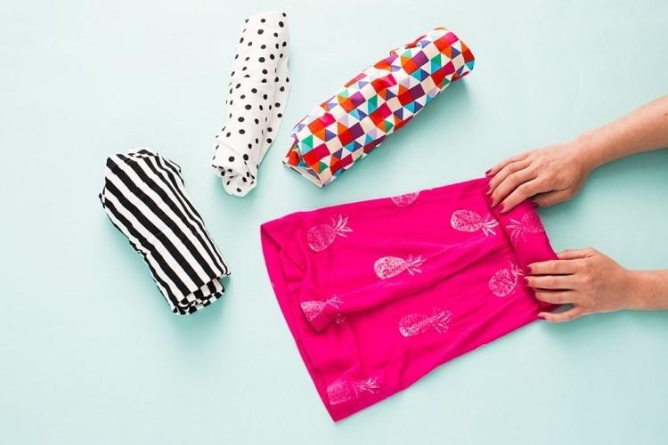 Используйте матрац для распрямления одежды