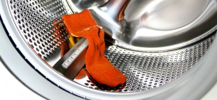 Бросьте в сушилку мокрый носок