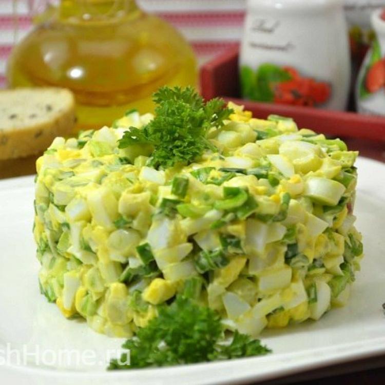 Салат из яиц и лука