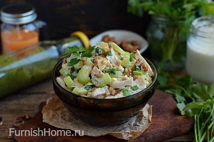 Салат курица с яблоком и грибами