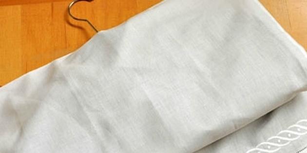 Чехол для парадной одежды из простыни или наволочки