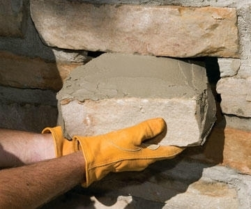 Как заменить камень, если он стал выпирать из-за давления со стороны других камней?