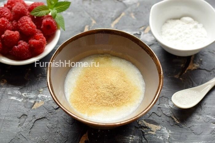 Творожное бланманже с кокосовым молоком и малиной