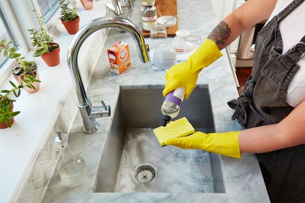 Одна умная вещь, которую вы всегда должны делать после мытья посуды