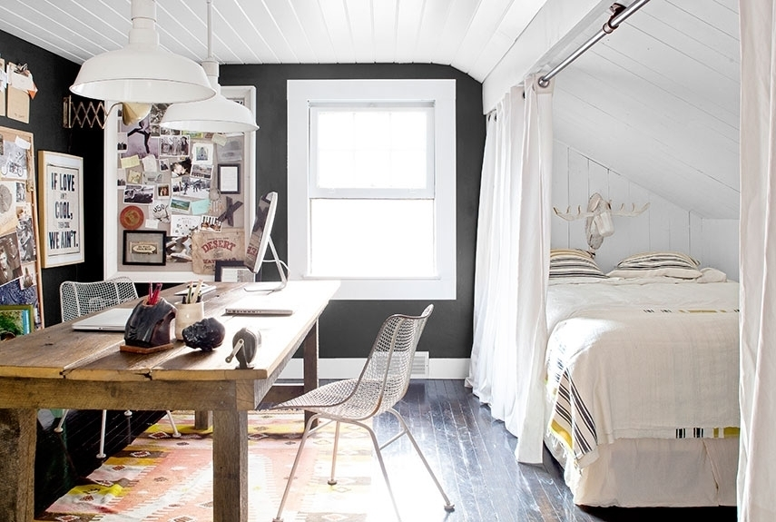 Кухня-гостиная со спальней за шторой