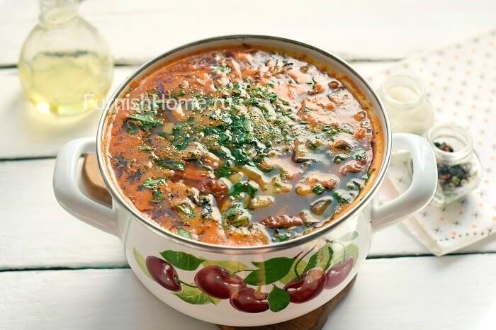 Томатный суп с баклажанами и копченостями