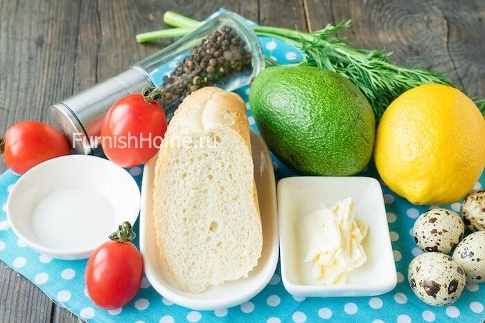 Бутерброды с авокадо и глазуньей