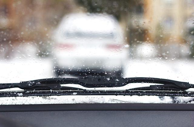 Избавьте лобовые стекла от льда и изморози