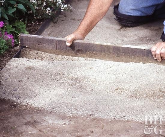 Как сделать дорожку из тротуарной плитки своими руками