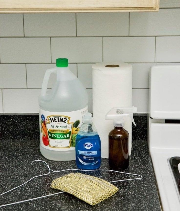 Как очистить стекло и между стеклами в духовке
