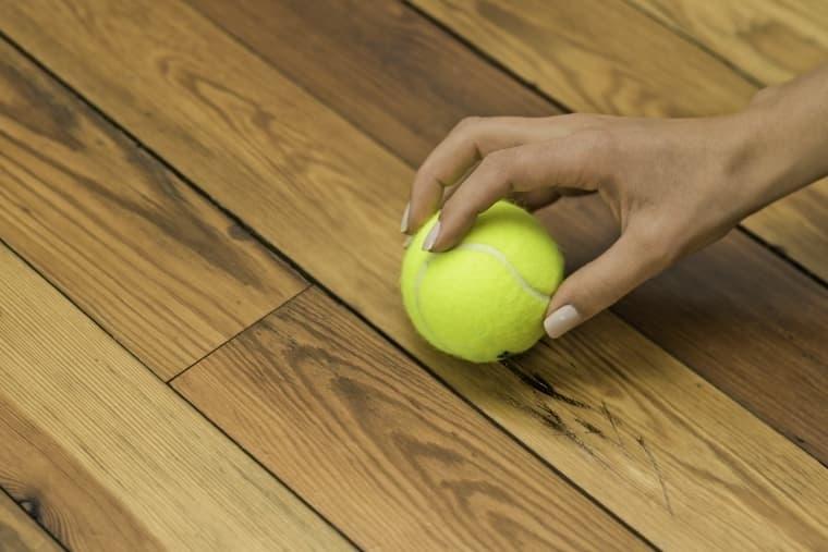 Почему вы должны держать теннисный мяч на кухне?