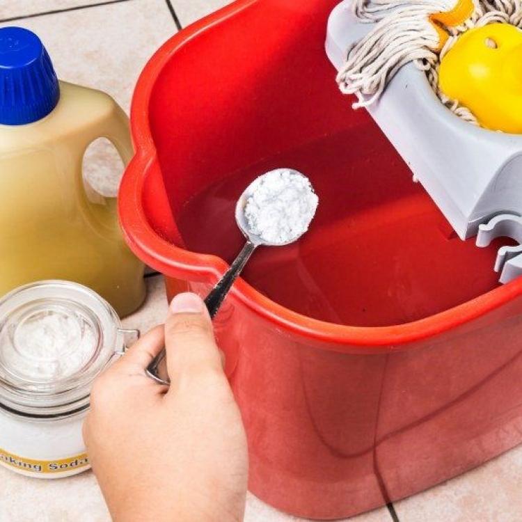 Как хранить каустическая сода
