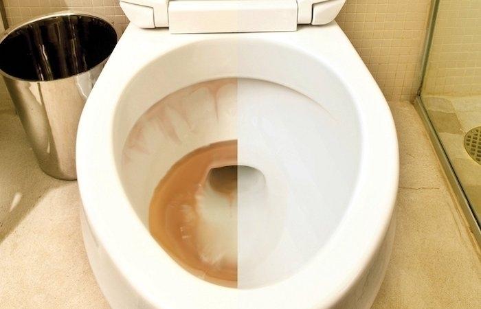Удаление ржавчины с помощью ортофосфорной кислоты с унитаза и ванной