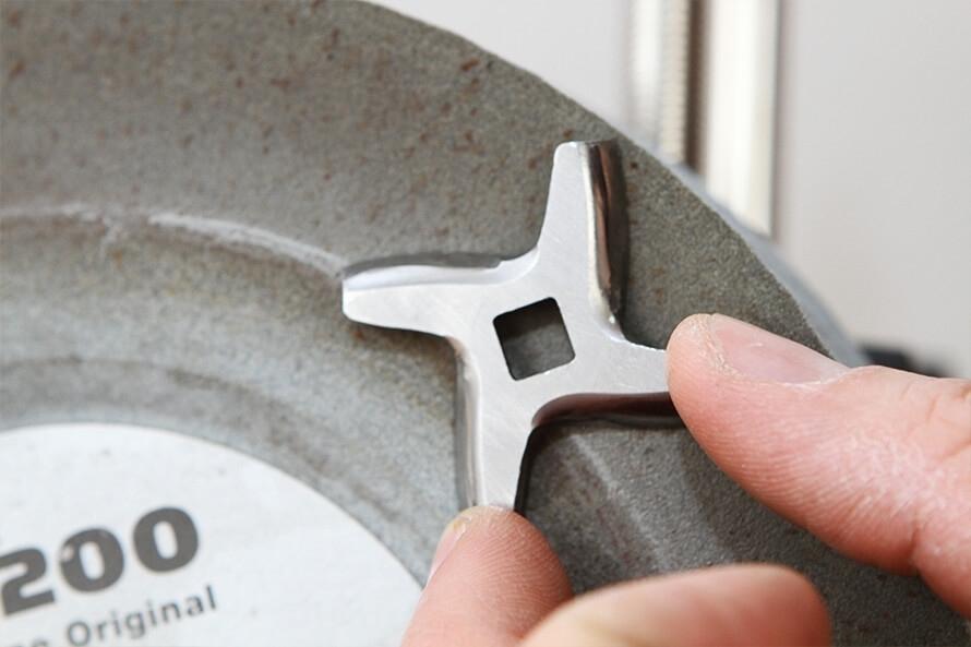 Как заточить нож для мясорубки своими руками: технология, важные детали